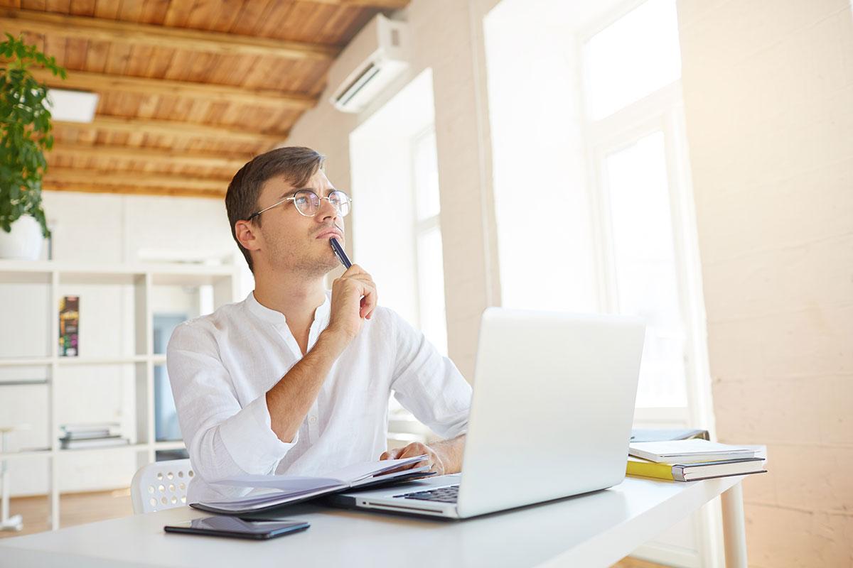 PMSで悩む会社の同僚や先輩、後輩に対する接し方とは?